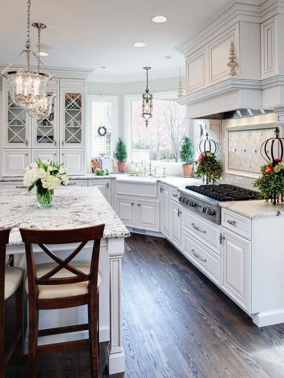 Swell 28 Antique White Kitchen Cabinets Ideas In 2019 Liquid Image Interior Design Ideas Gentotryabchikinfo