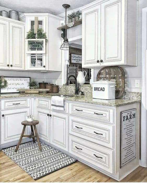 Farmhouse Kitchen With Dark Cabinets: 28 Antique White Kitchen Cabinets Ideas In 2019